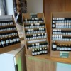 Magasin Luxaromes - Présentoirs huiles essentielles
